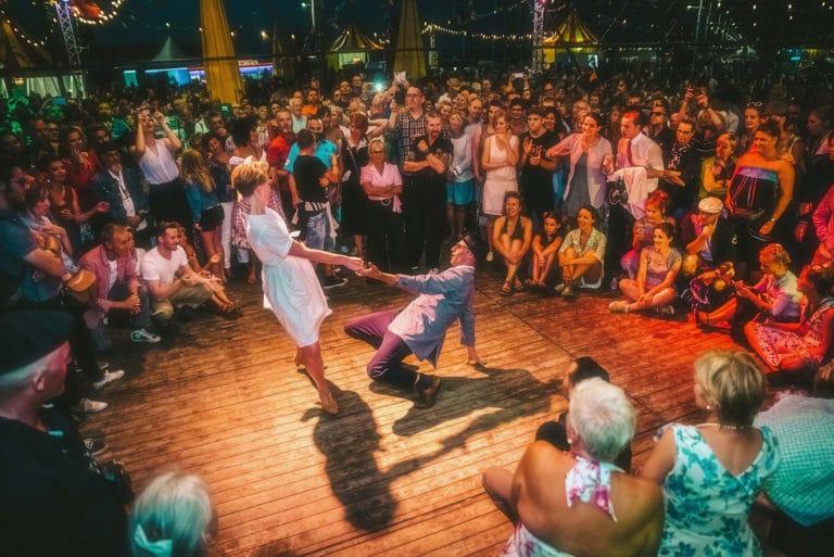 RetroSurMer-Wenduine-Festival-Retro-Vintage-Fifties-Seaside-Dance-LindyHop-Swing-1-LawrenceSchoonbroodt-2018